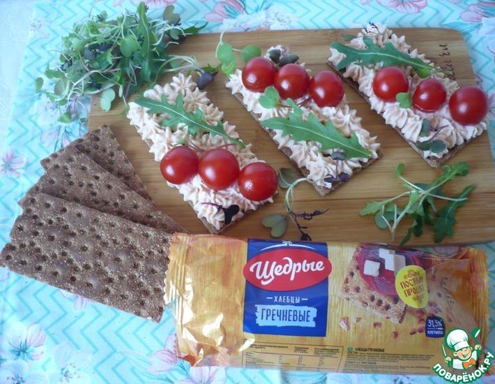 Рецепт: Паштет из копчёной сёмги на хлебцах