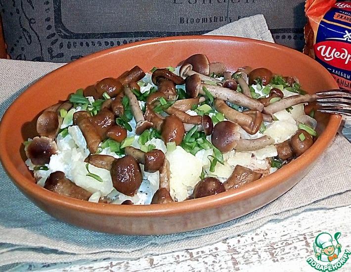 Рецепт: Картофель мятый со сметаной и грибами