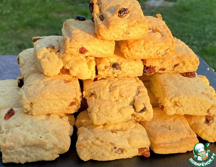 Рецепт: Печенье с орехами и изюмом