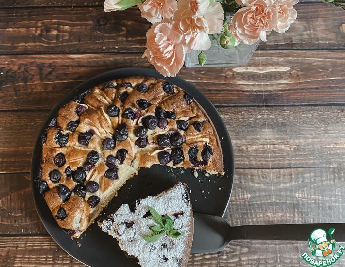 Рецепт: Творожный пирог с яблоками и голубикой