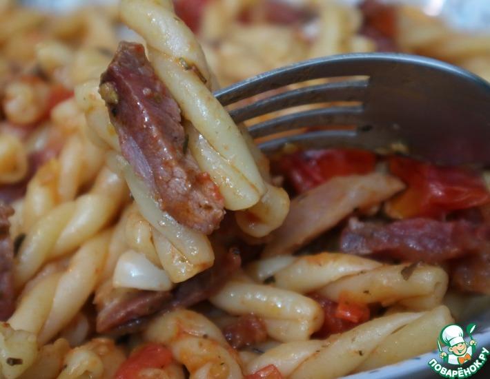 Рецепт: Паста с вяленым мясом и помидорами
