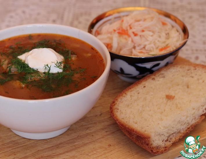Рецепт: Суп-солянка из квашеной капусты с фасолью