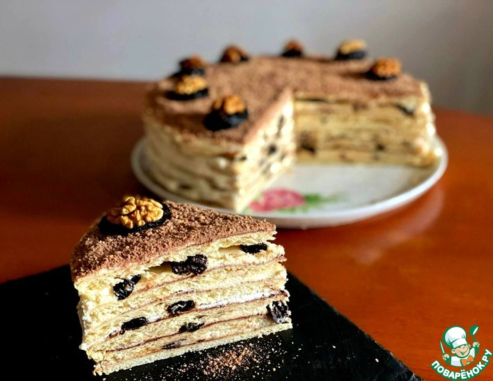 Рецепт: Сметанный торт с черносливом