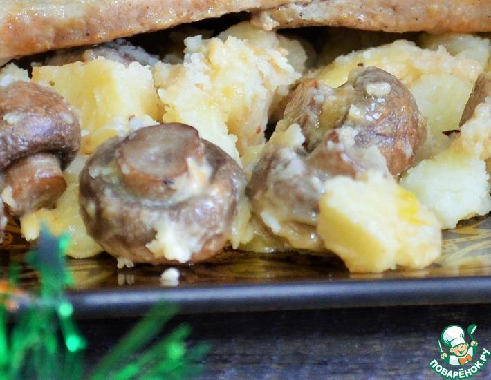 Рецепт: Запечённый картофель с грибами и сыром