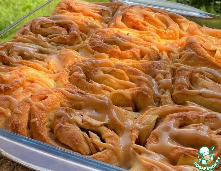 Рецепт: Булочки с яблоками и карамелью