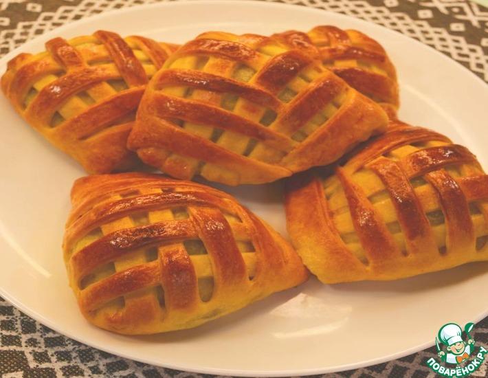 Рецепт: Быстрые пирожки-плетёнки с печенью