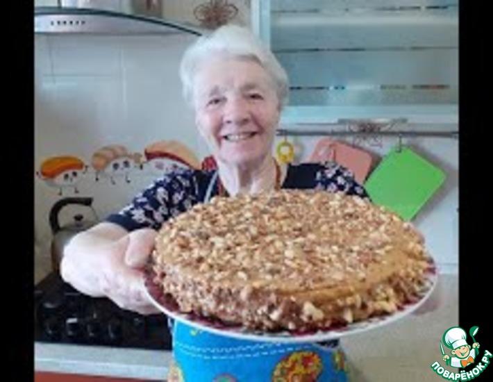 Рецепт: Вафельный торт со сгущенкой без выпечки
