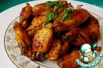 Рецепт: Сочные куриные крылышки с соусом