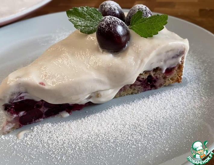 Рецепт: Черешневый пирог со сливочным кремом