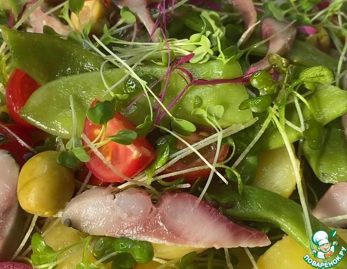 Рецепт: Салат из сельди, овощей и микрозелени