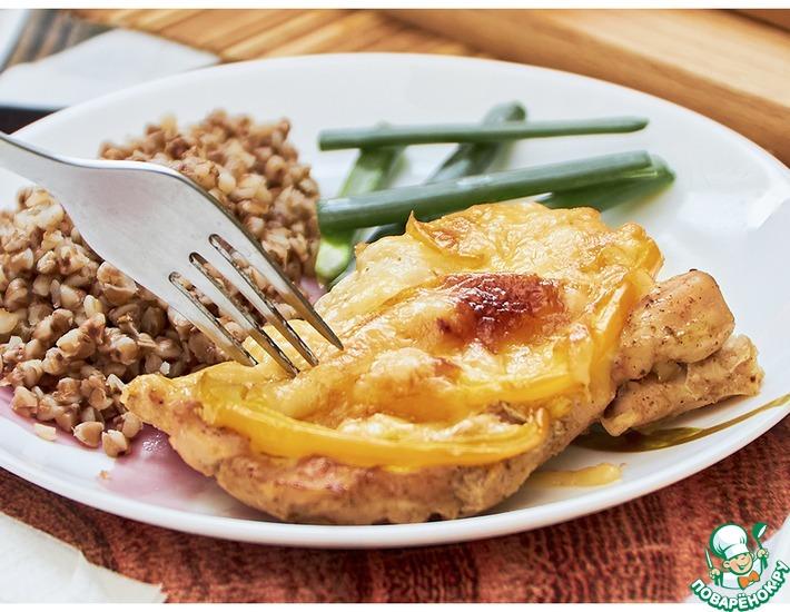 Рецепт: Отбивные с болгарским перцем, под сыром
