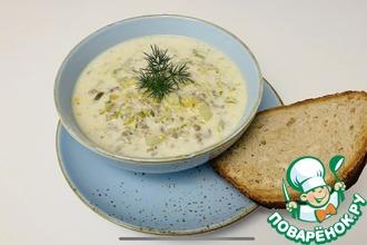 Рецепт: Сырный суп с луком порей