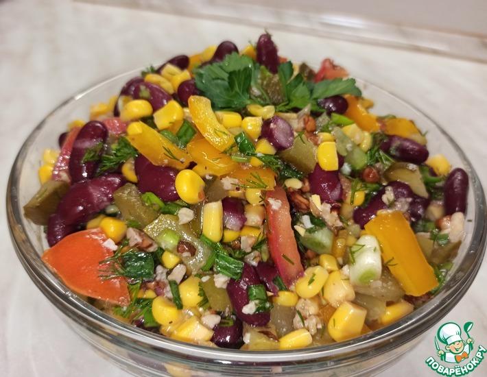 Рецепт: Салат овощной с солеными огурцами