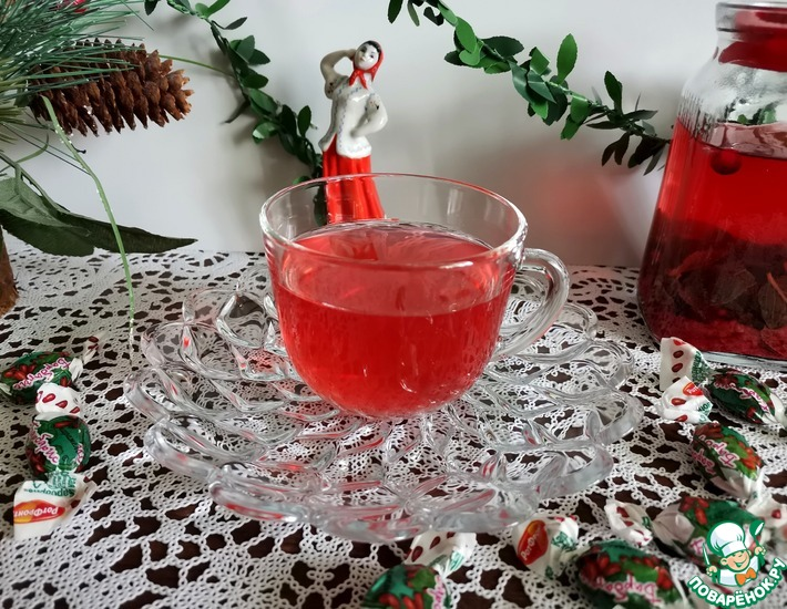 Рецепт: Мятно-имбирный чай с ягодами