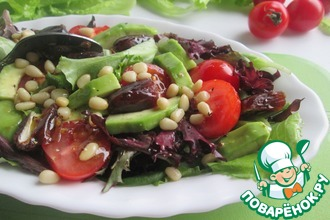 Рецепт: Салат с финиками и кедровыми орехами
