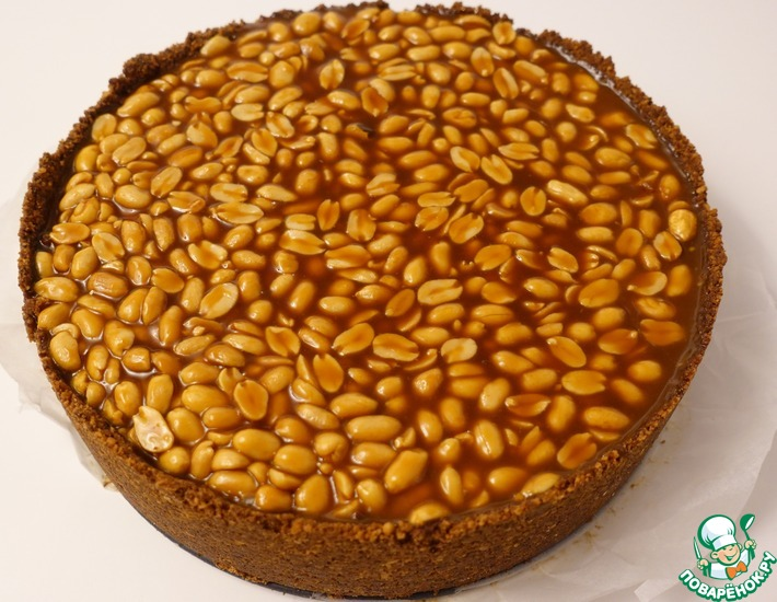Рецепт: Чизкейк карамельный с арахисом