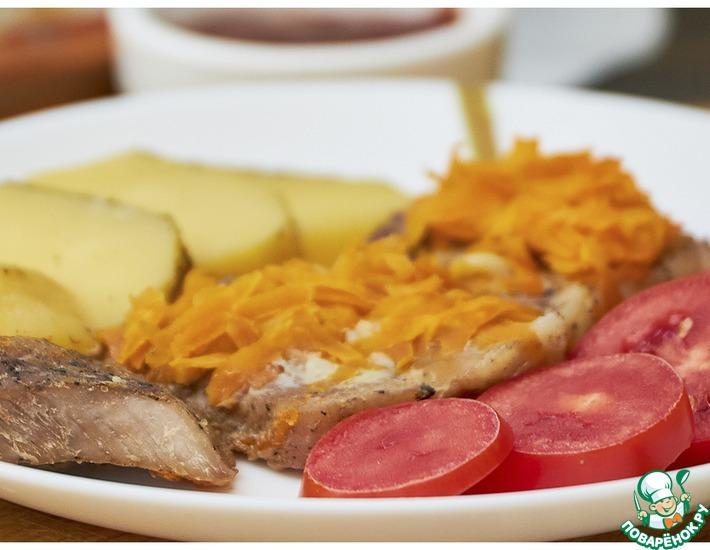 Рецепт: Свинина под подушкой из морковки
