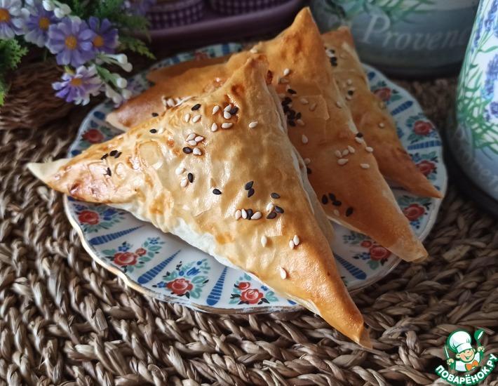 Рецепт: Хрустящие треугольники с мясной начинкой