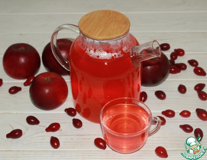 Рецепт: Осенний компот из кизила и яблок