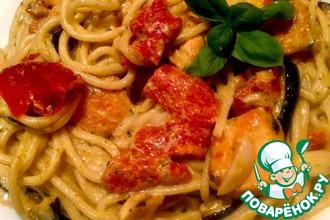 Рецепт: Спагетти с цуккини, лососем и