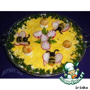 """Рецепт: Праздничный салат """"Пчелки"""""""