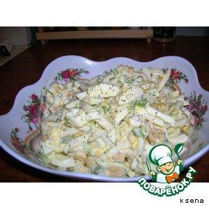 Рецепт: Салат с кальмарами и кукурузой
