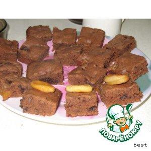 Рецепт: Шоколадные пирожные с черносливом и курагой