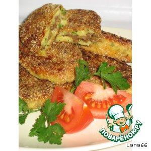Рецепт: Картофельные палочки в сухарях с мясом