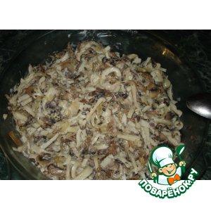 Рецепт: Салат из кальмаров с грибами
