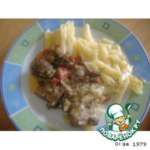 Рецепт: Тушеная куриная печень с болгарским перцем