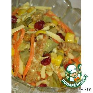 Рецепт: Куриный салат с овощами и сыром