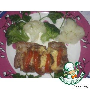 Рецепт: Свинина книжкой с помидорами и сыром