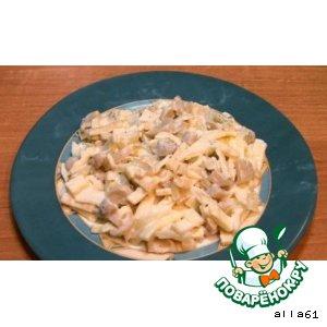 Рецепт: Салат с блинчиками,  грибами и луком