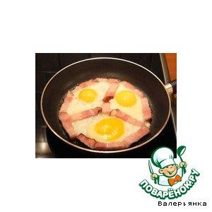 Рецепт: Яичница с ветчиной
