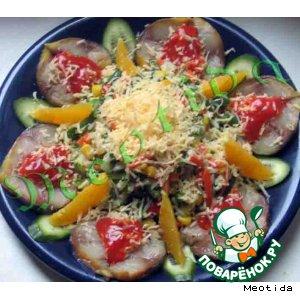 Рецепт: Салат с копченой скумбрией Летняя искра