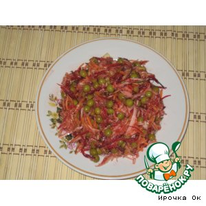 Рецепт: Капустный салат со свеклой и яблоком