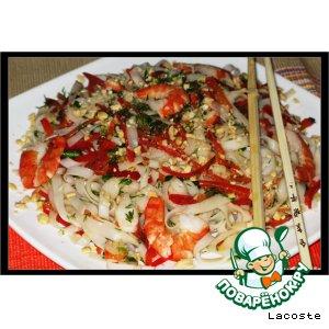 Рецепт: Салат с креветками и рисовой лапшой