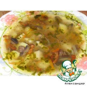 Рецепт: Суп с лисичками и шампиньонами
