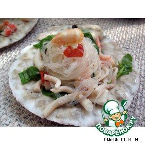 Рецепт: Острый тайский салат с морепродуктами «Побережье»