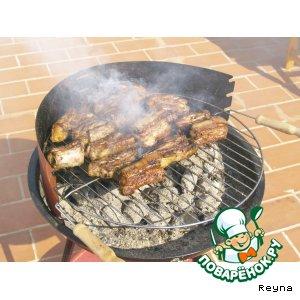 Рецепт: Барбекю из свиных ребер
