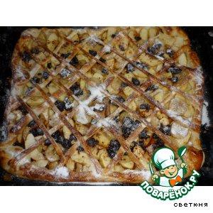 Рецепт: Пирог с яблоками, вишней, бананами