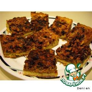 Рецепт: Пирог с грецкими орехами и сгущенным молоком