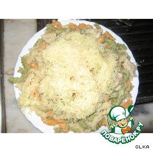 Рецепт: Курица с цветными макаронами Куриная радуга