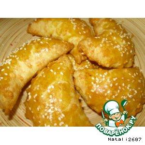 Рецепт: Сырные булочки с начинкой Полумесяц