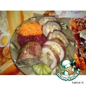 Рецепт: Пикантный орехово-сырный рулет с салатом по-корейски