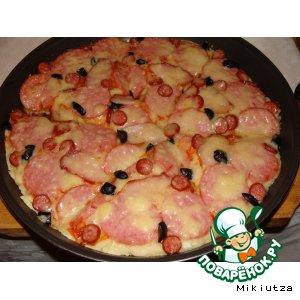 Рецепт: Пицца с колбасой