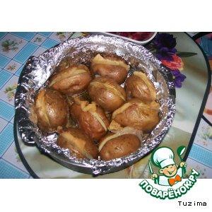 Рецепт: Картофель, запечeнный со шпигом