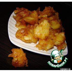 Рецепт: Карамелизованные яблоки в кляре