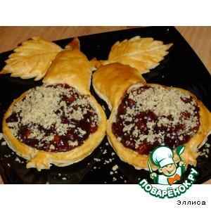 Рецепт: Карамелизированные груши в слойках