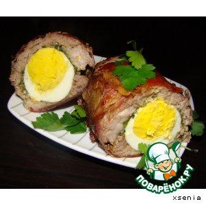 Рецепт: Мясной рулет со шпинатом и яйцом